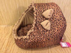 леопардовая лежанка для кошки