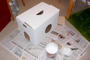 покрашенный картонный  домик для кошки